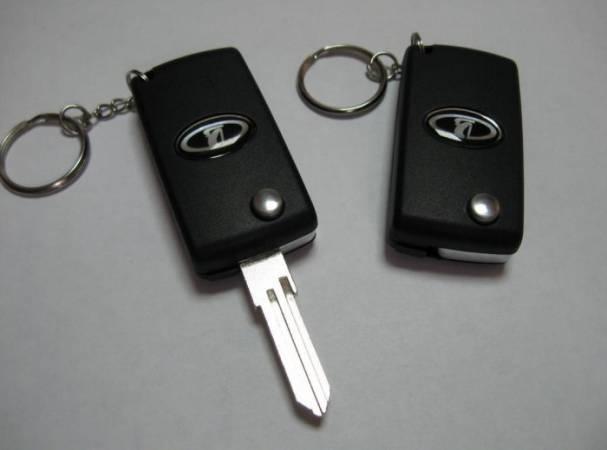 Как-открыть-дверь-Приоры-без-ключа-2-700x519.jpg