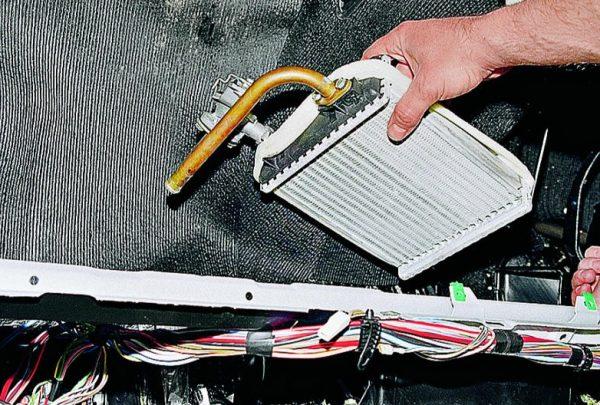 izvlechenie-radiatora-600x405.jpg