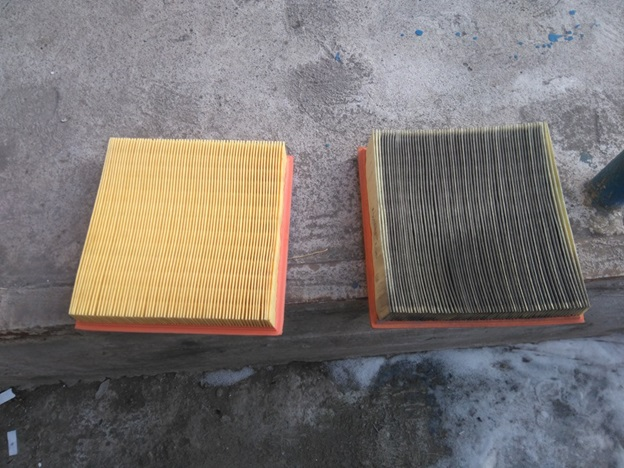 Old-and-new-filter-elements-VAZ-2114.jpg