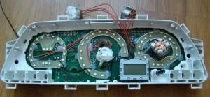 problemy-s-podsvetkoj-pribornoj-paneli-vaz-2110-prichiny-i-remont2-300x139.jpg