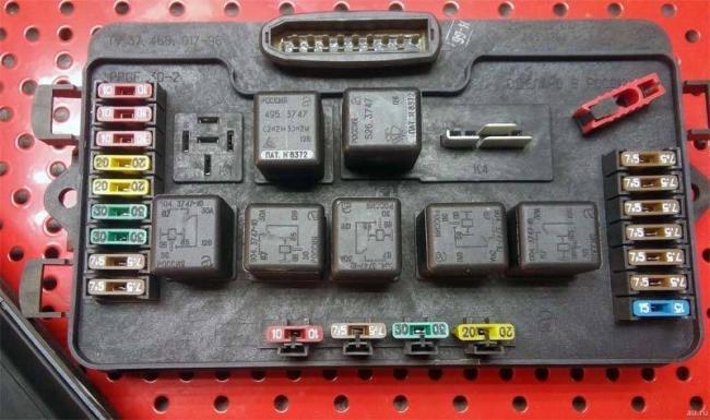 ne-rabotaet-panel-priborov-vaz-2114-3.jpg