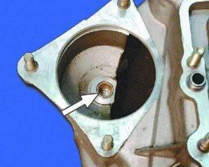 kak-proizvoditsya-zamena-vtulok-startera-vaz-2109-300x240.jpg