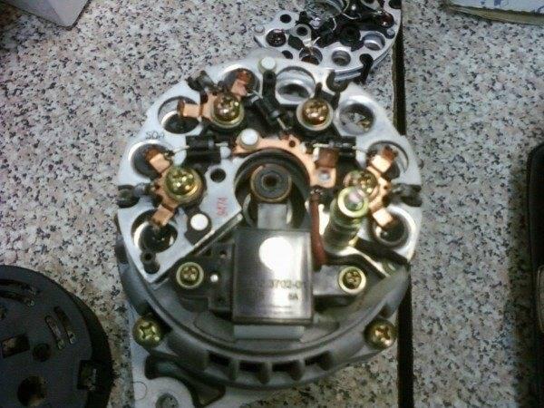 vaz-2112-net-zaryadki-generatora-600x450.jpg