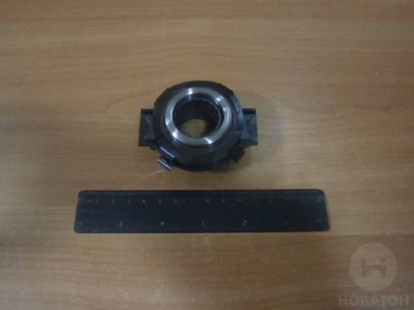 zamena-vyzhimnogo-podshipnika-scepleniya-na-vaz-2110-svoimi-rukami-19.jpg