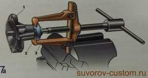 Снятие-ступицы-помпы-универсальным-съёмником-300x160.jpg