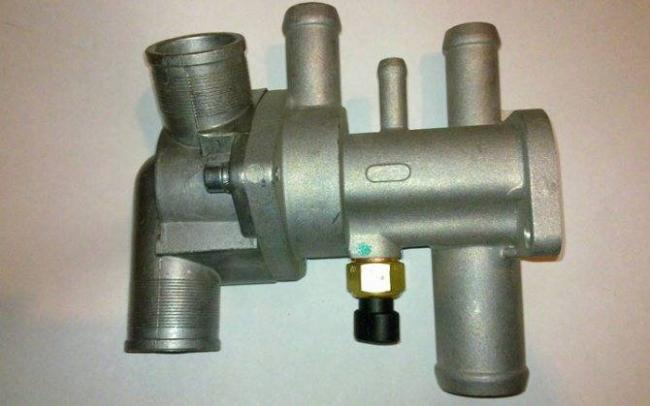 1544108814_zamena-termostata-vaz-2113-2114-2115-1.jpg