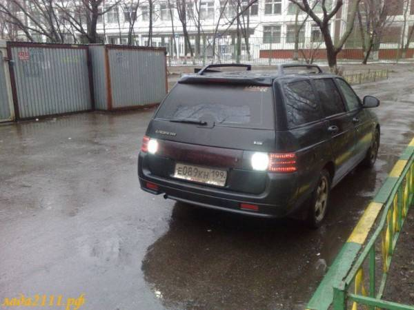 pochemu-mogut-ne-svetitsya-fonari-zadnego-hoda-600x450.jpg