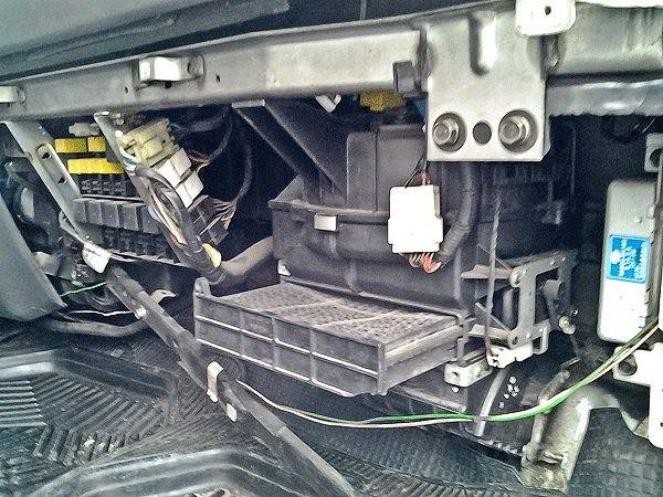 ne-srabatyvaet-ventiljator-ohlazhdenija-vaz-2112-inzhektor-16-klapanov0.jpg