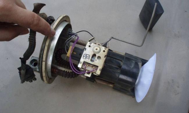 toplivnyy-nasos-vaz-2110-7.jpg