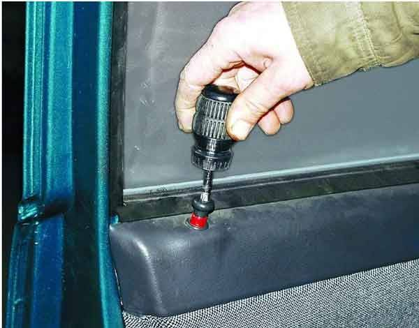 ne-rabotaet-steklopodemnik-vaz-2110.jpg