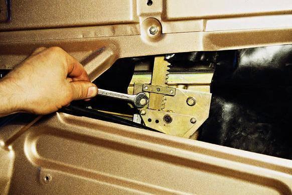 vaz-2110-ne-rabotaet-steklopodemnik.jpg