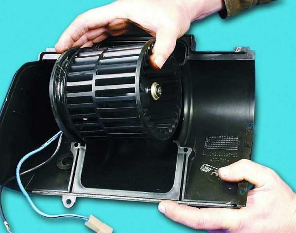 zamena-ventilyatora-otopitelya-vaz-600x472.jpg