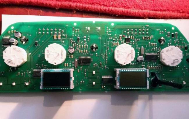 ne-rabotaet-panel-priborov-vaz-2114-5.jpg