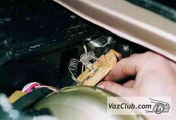 vaz-2110-zamena-rezistora-otopitelya.jpg