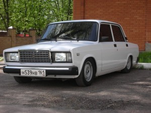 kakie-sidenya-podxodyat-dlya-vaz-2107-bez-peredelok-300x225.jpg