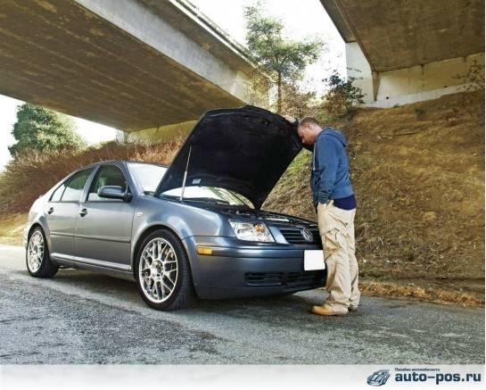 Если стартер не крутит, то машину можно попытаться завести, закоротив клеммы на втягивающем реле стартера
