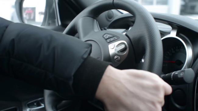 a-man-extreme-drives-nissan-turn-the-steering-wheel-and-use-the-hand-brake_rz2vg30qx_thumbnail-full01-1024x576.png