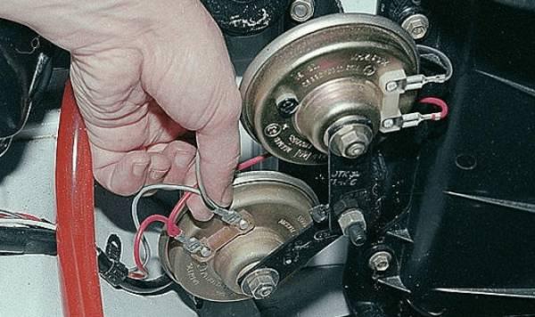 zvukovoy-signal-vaz-2107-iz-dvuh-klaksonov-600x356.png