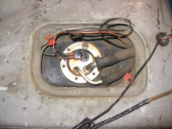 datchik-benzina-na-vaz-2109-karbyurator-inzhektor-18.jpg