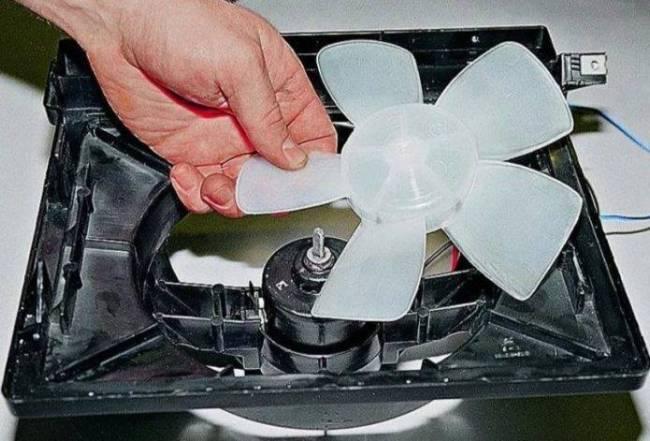 ventilyator-otopitelya-vaz-2107-695x471.jpg