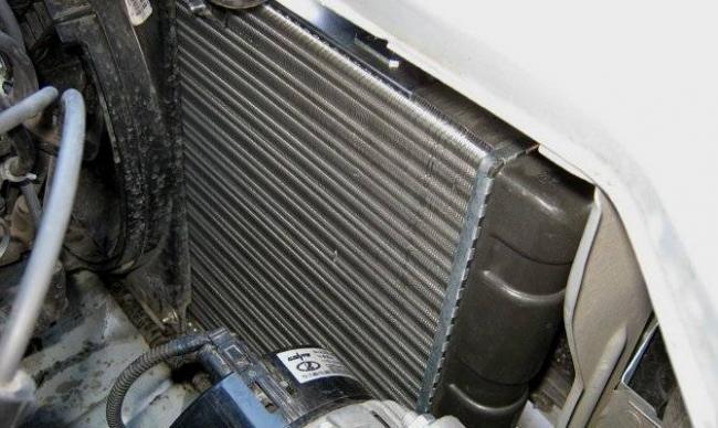 radiator-otopitelja-vaz-2109-zamena-krana-1.jpg